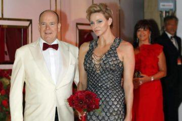 Charlene de Monaco بدت كحورية البحر في حفل للصليب الأحمر