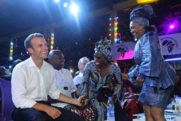 ماكرون يزور ملهى فيلا كوتى أسطورة الموسيقى النيجيرى