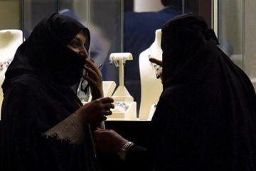 """وقد توفي خلال هذه الفترة حبس امرأة خليجية """"مارست الحب"""" مع سائح في دبي"""
