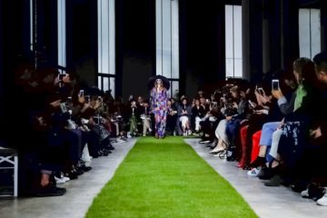 أسبوع الموضة في باريس لربيع 2019 Paris Fashion Week  Junko Shimada Ready To Wear Spring Summer 2019 Paris