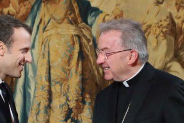"""السفير البابوي في فرنسا يخضع للتحقيق في """"اعتداءات جنسية"""""""