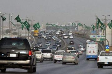 """المرور في السعودية يصدر هاذه هي عقوبة شرب الشاي والمياه"""" أثناء القيادة!"""