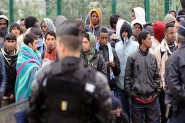 الإندبندنت: إلغاء أكثر من نصف أوامر ترحيل المهاجرين في بريطانيا لنقص الأدلة القانونية